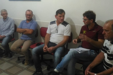 Reunião entre Prefeito, Vice e Vereadores